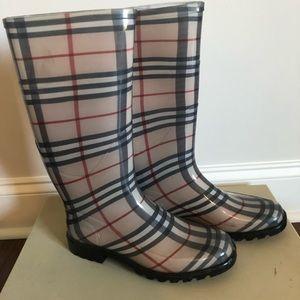 Burberry Rain boots Size 8